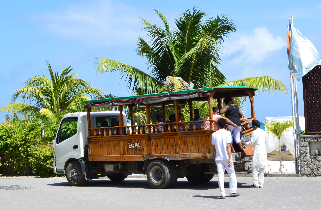 Bus on La Digue