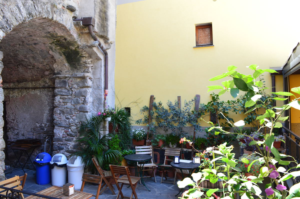 Courtyard in Corniglia