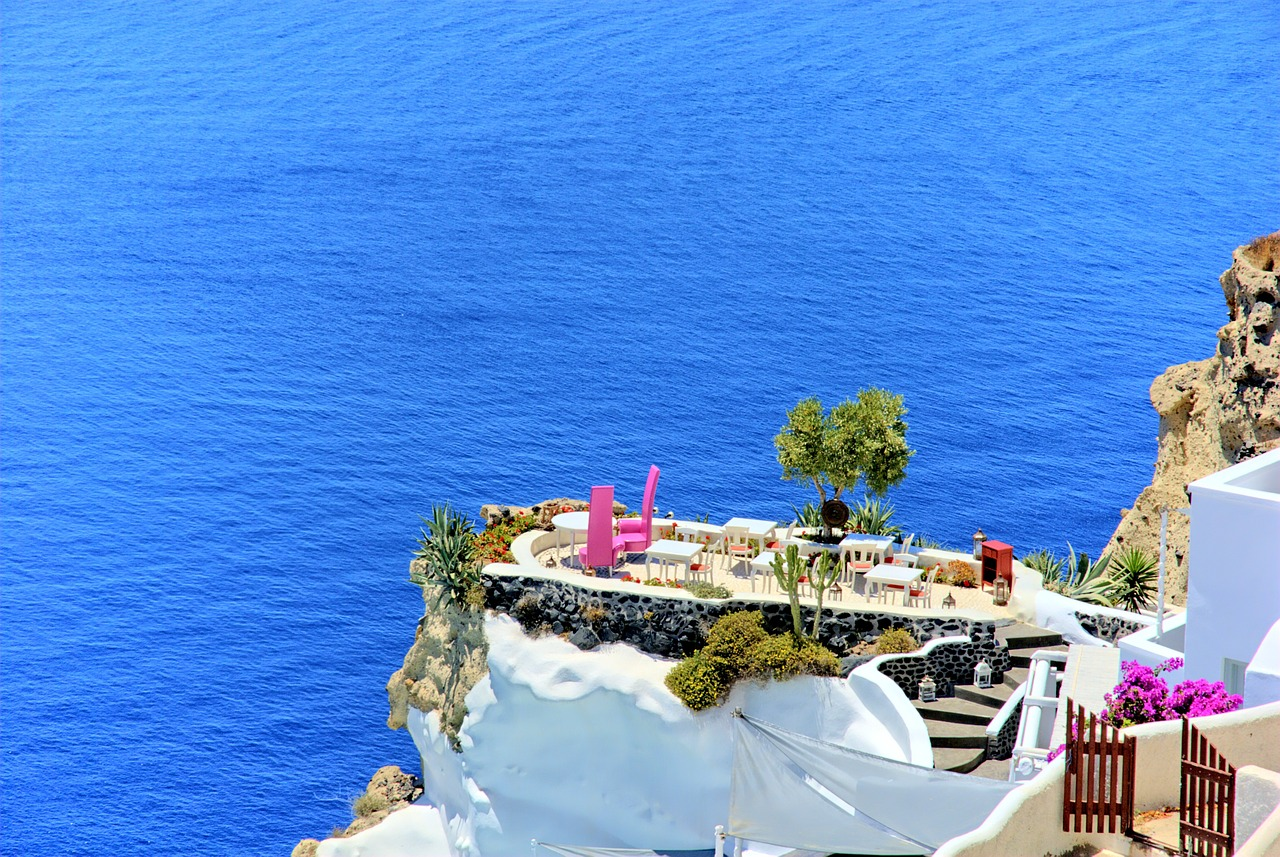 Dining out in Santorini