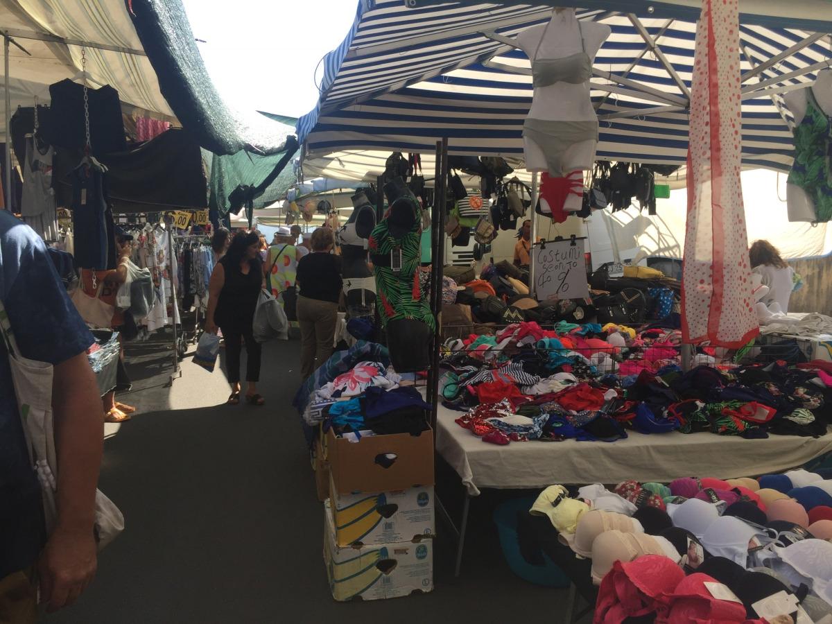 Market in Scalea