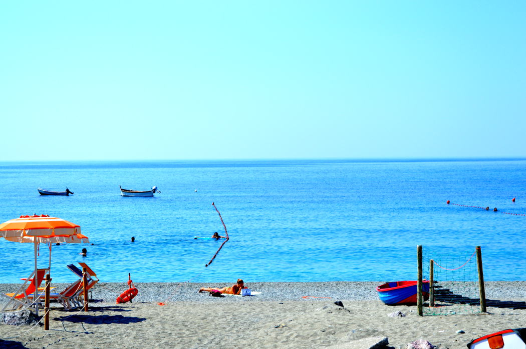 Free beach in Monterosso