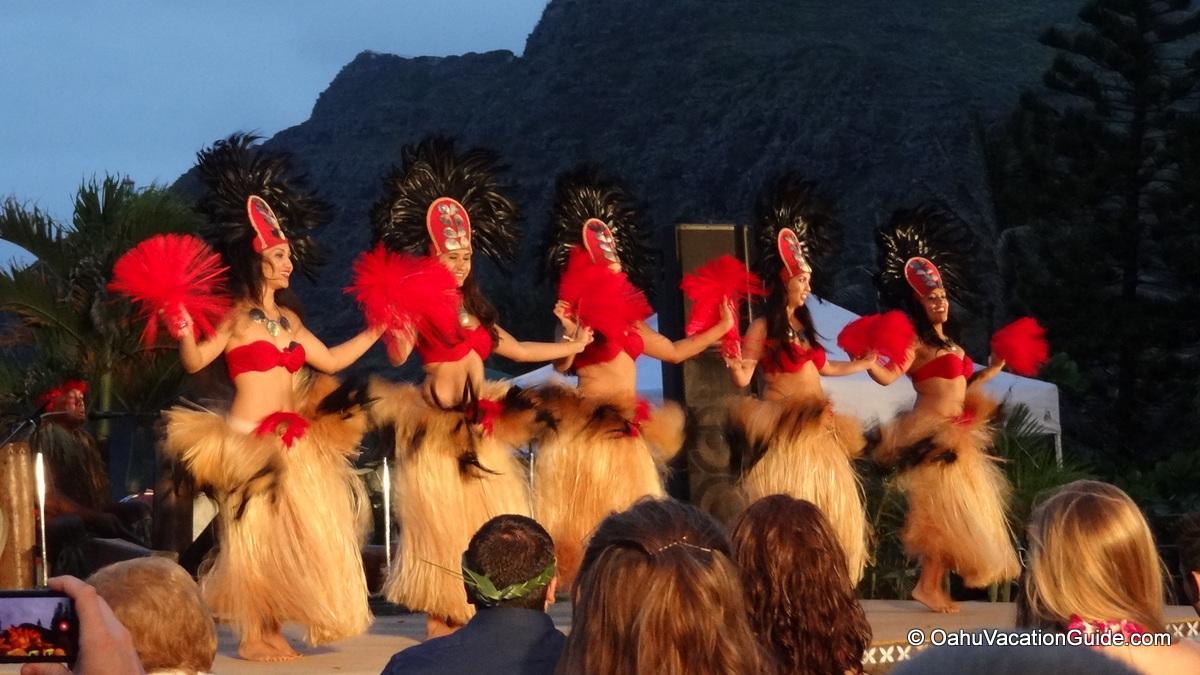 Traditional dancers, Hawaii